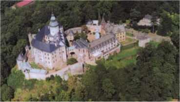 Letecký pohled na Hrad a zámek Frýdlant.